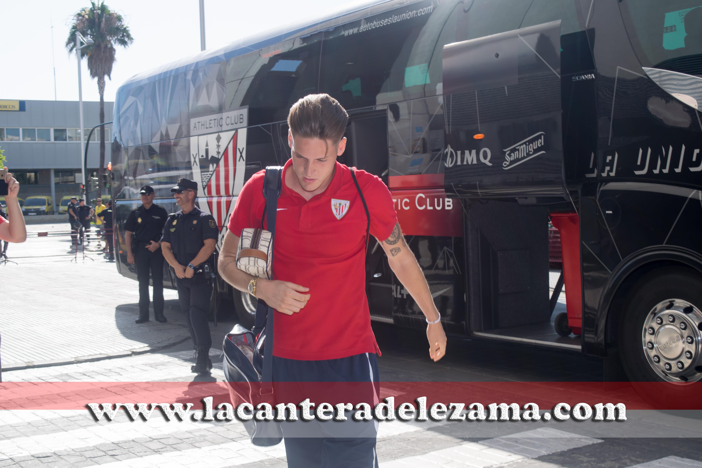 Álex Remiro con el Bilbao Athletic en Cádiz | Foto: Unai Zabaleta