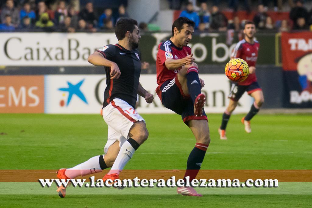 Villalibre ante el Osasuna | Foto: Unai Zabaleta