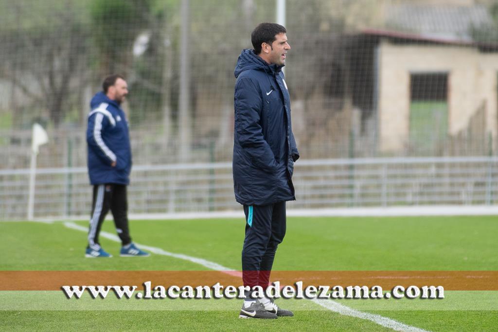 Imanol de la Sota entrenador del Juvenil DH | Foto: Unai Zabaleta