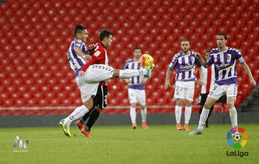 Aketxe ante Marcelo Silva | Foto: laliga.es