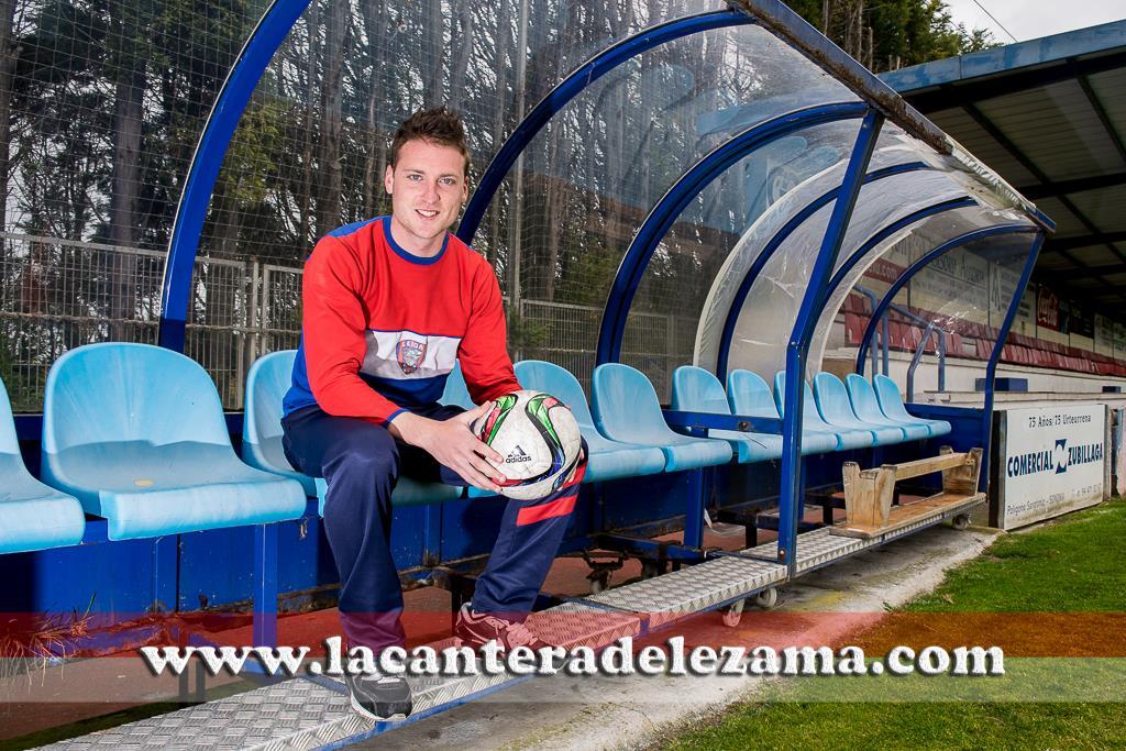 Iván Franco ahora como entrenador en las categorías inferiores de la SD Leioa | Foto: Unai Zabaleta