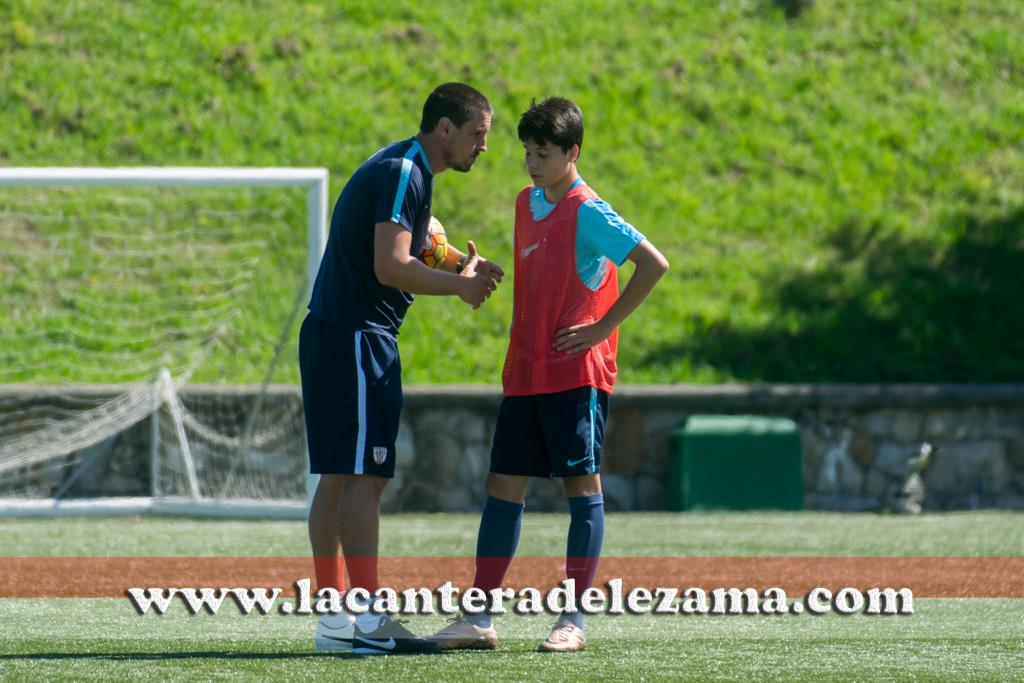 Solabarrieta charlando con Ibarrondo |Foto: Unai Zabaleta