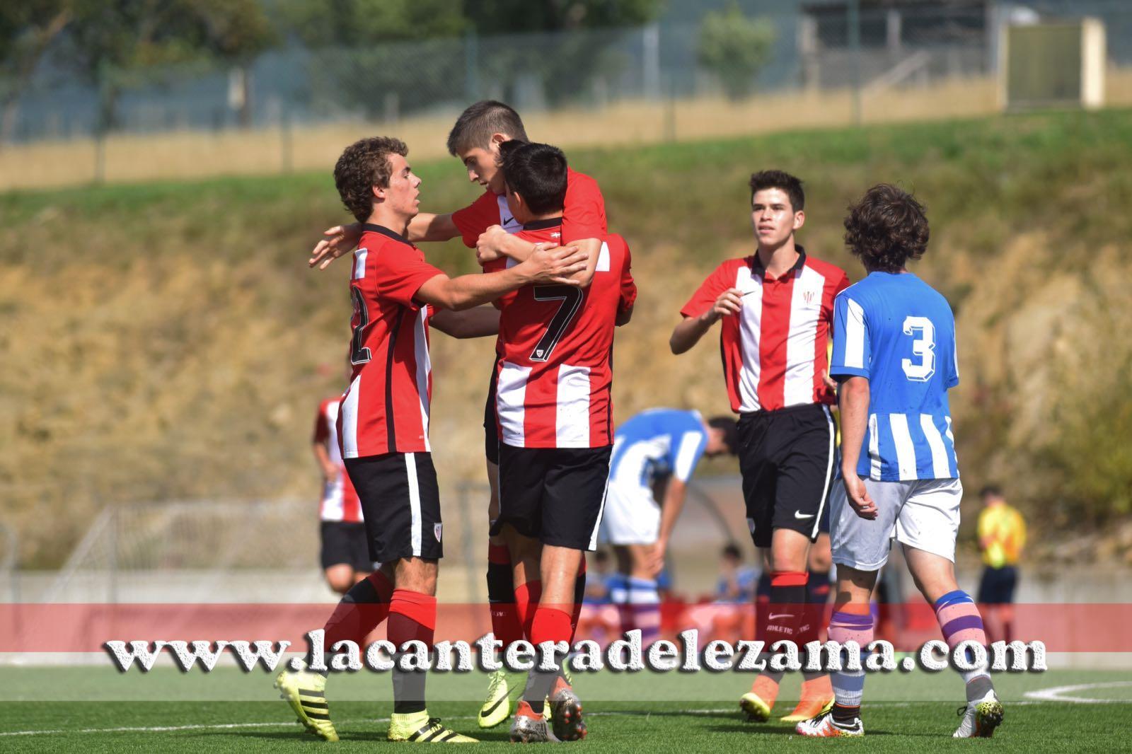 El equipo celebra el gol de Oihan Sancet | Foto: Unai Zabaleta