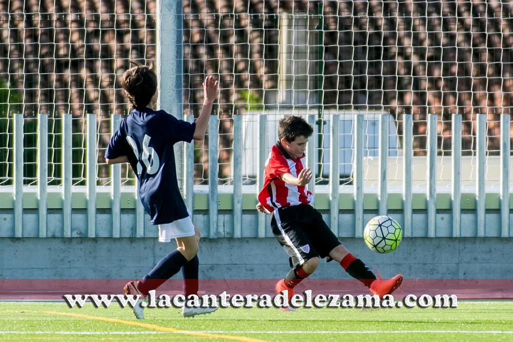 Urtzi Albizua con el Athletic alevín A | Foto: Unai Zabaleta