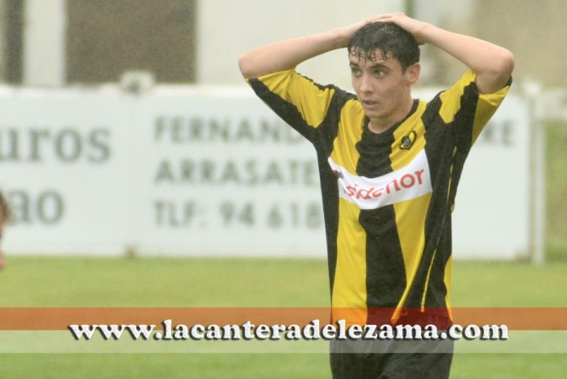 Oier Zarraga lamentándose durante una acción esta temporada | Foto: Unai Zabaleta